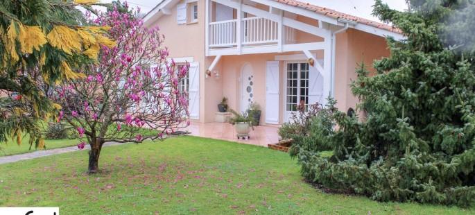 Le-Teich-maison-T5-piscine-garage-dependances-jardin-0320-01