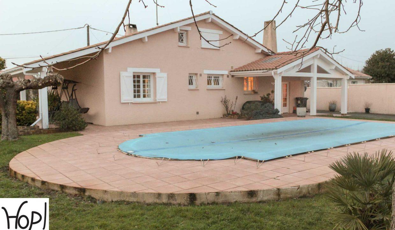 Le-Teich-maison-T5-piscine-garage-dependances-jardin-0320-07