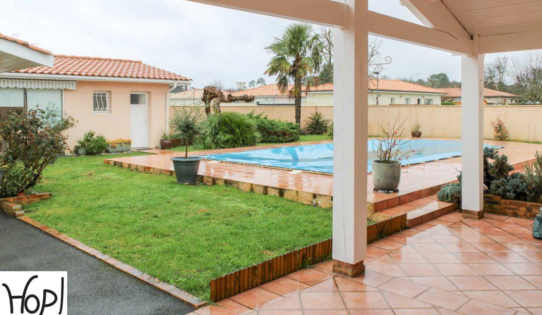 Le-Teich-maison-T5-piscine-garage-dependances-jardin-0320-08