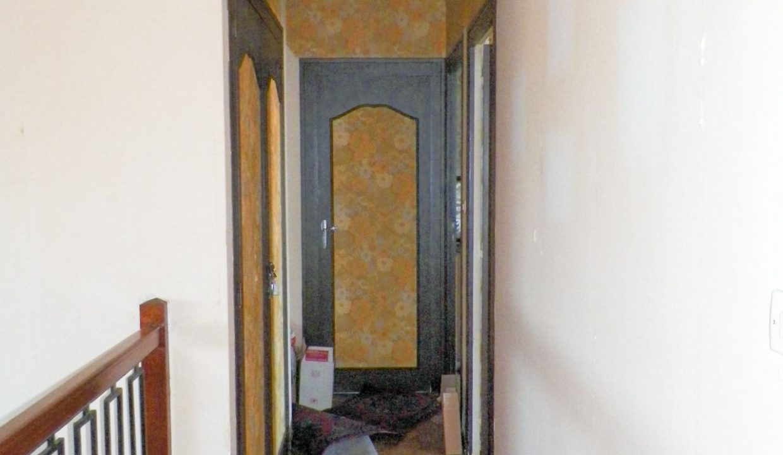 Merignac-capeyron-maison-T5-Duplex-jardin-garage-a-renover-0318-03