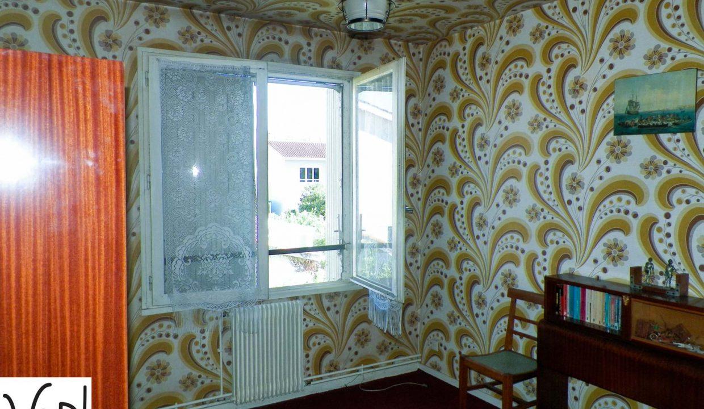Merignac-capeyron-maison-T5-Duplex-jardin-garage-a-renover-0318-04